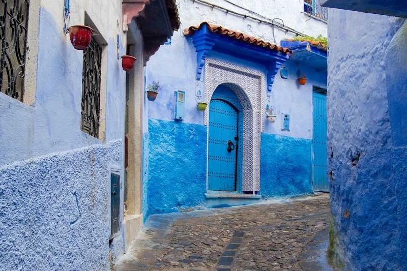 گشتی در کوچه های شهر آبی در مراکش