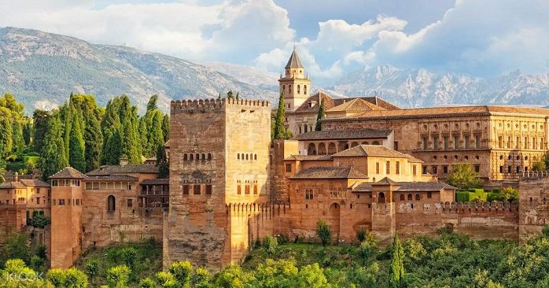 جاذبه های توریستی پرطرفدار اسپانیا